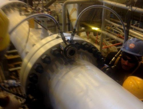 Hydraulic bolt tensioners for tightening on pipeline flanges