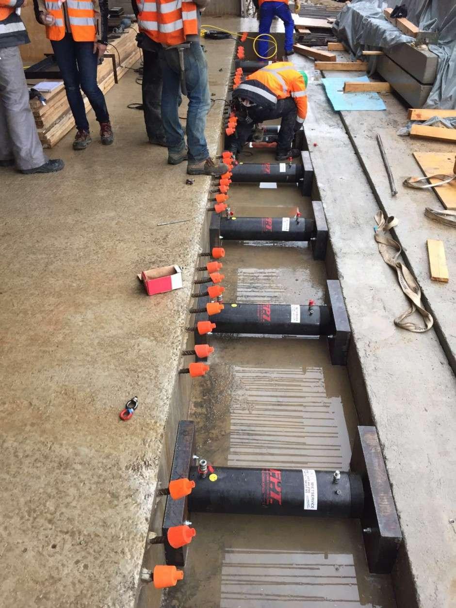 cilindri idraulici doppio effetto ritorno ad olio alto tonnellaggio