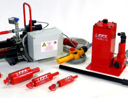 Kit idraulico per tensionamento perni
