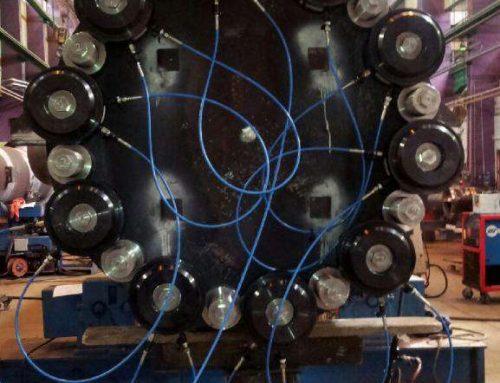 Tensionatori idraulici speciali per il serraggio di un reattore hydrocrackers