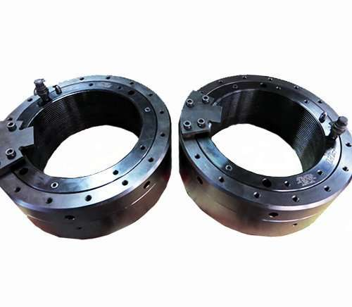 Hydraulic nuts for bearings