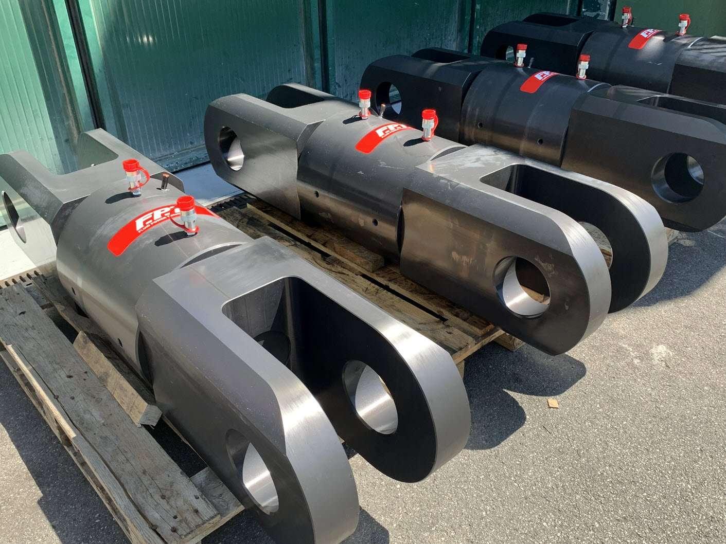 cilindri idraulici custom