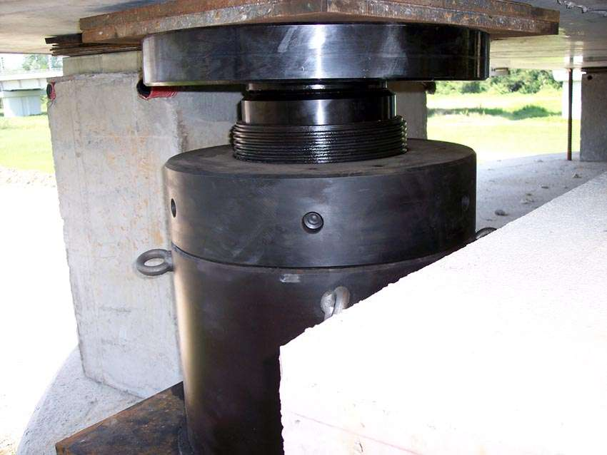 locking collar hydraulic jacks