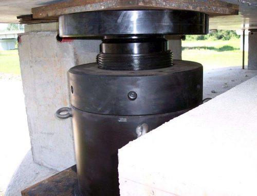 L'uso di martinetti idraulici con ghiera di sicurezza in cantiere